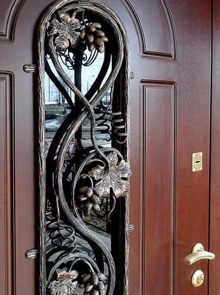 входные двери кованые с стеклом