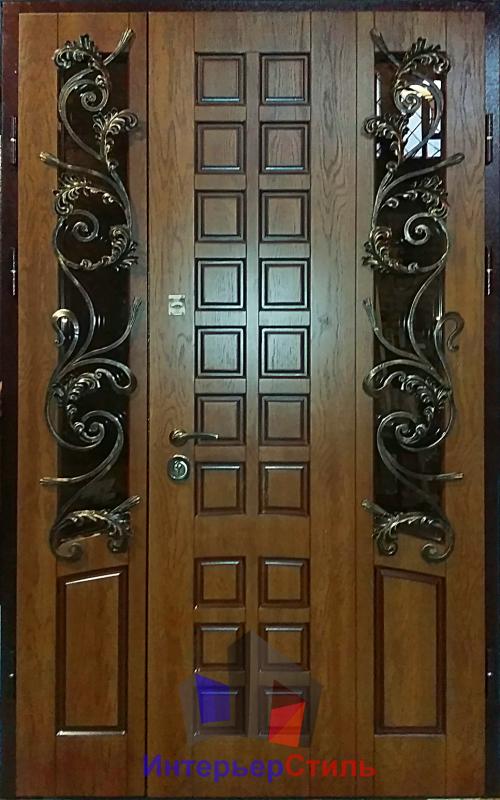 металлическая дверь в таунхаус