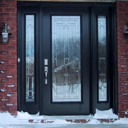 двери входные в доме
