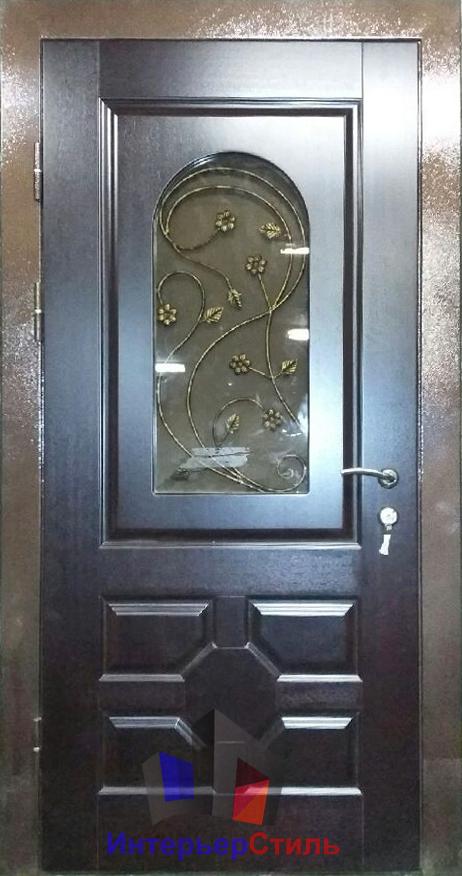 парадные стальные двери со стеклом и ковкой